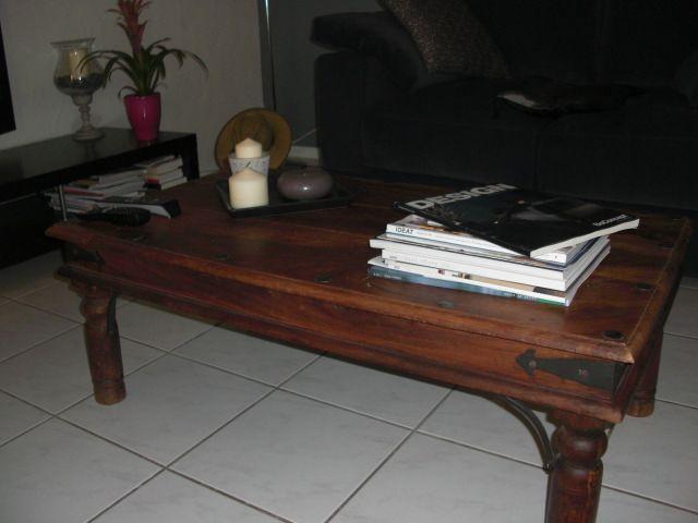 vend table de salon petites annonces maison d co meubles saint priest. Black Bedroom Furniture Sets. Home Design Ideas